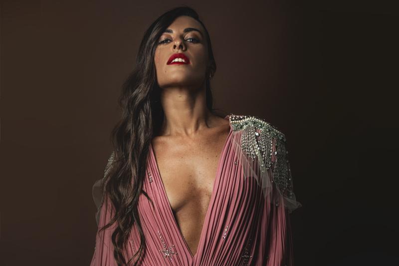 Roberta Pitrone scattata da Fabrizio Cestari per Rolling Stone a Venezia 75. Make up: Giorgio Armani Beauty.