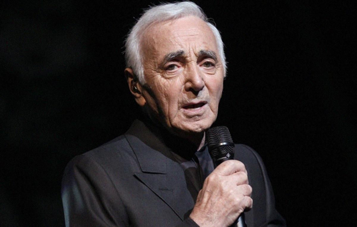 Francia, morto a 94 anni il cantante Charles Aznavour