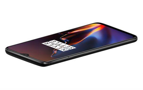 Il nuovo OnePlus 6T è stato presentato il 29 ottobre scorso, a New York. Lo smartphone sarà in vendita dal 6 novembre 2018