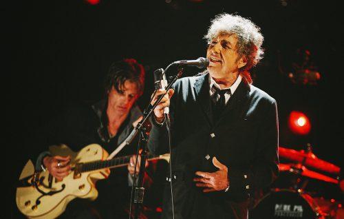 Non fate incazzare Bob Dylan, niente foto ai concerti!