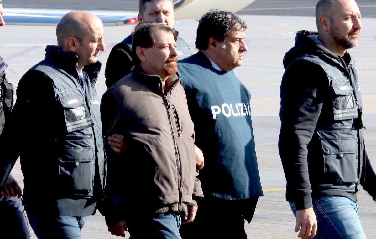 L'arrivo di Cesare Battisti in Italia dopo l'arresto in Bolivia. Foto: Piero Tenagli