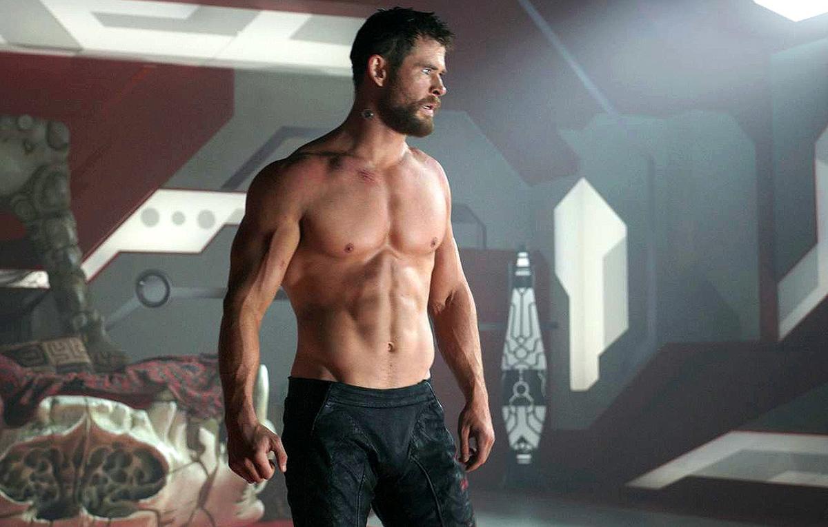 Крис хемсворт фото мышцы