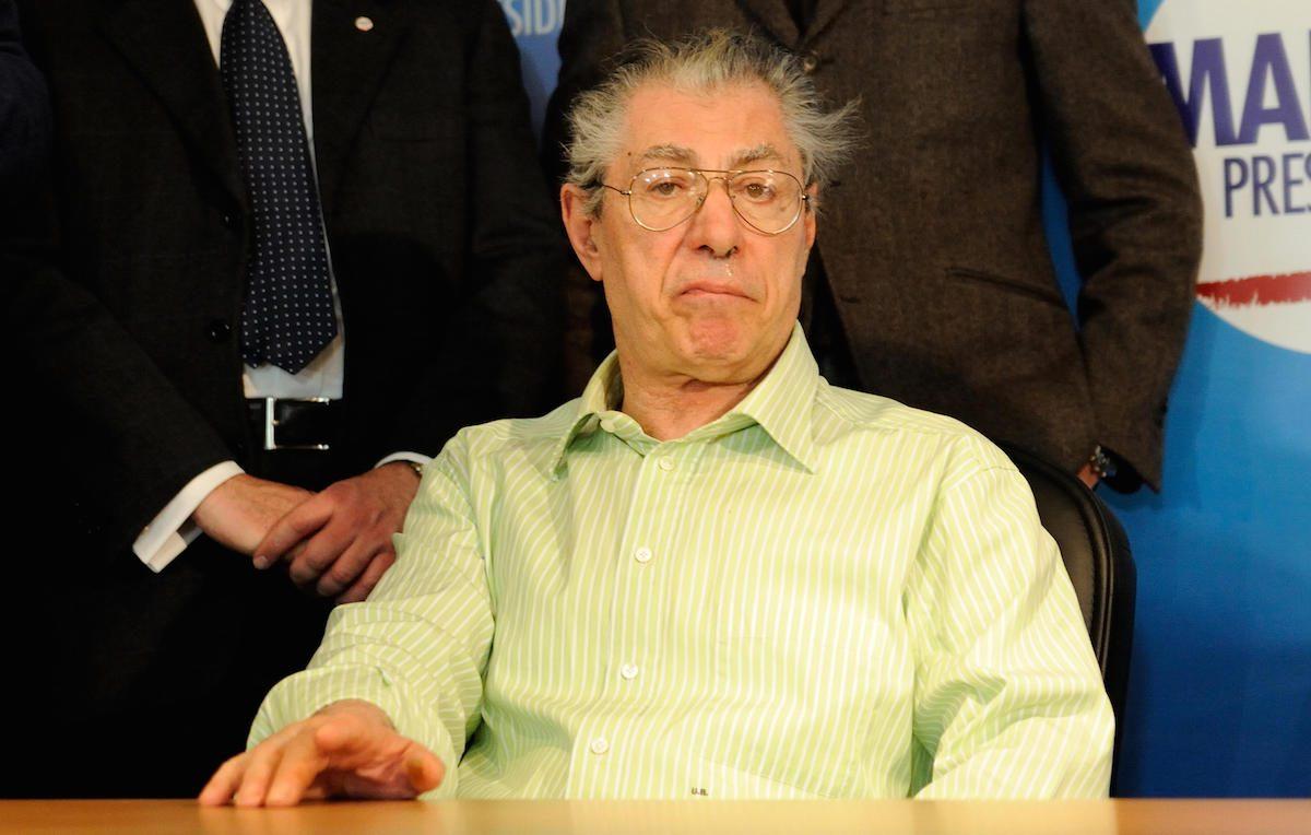 Umberto Bossi, 77 anni, è stato colpito da un ictus nel 2004