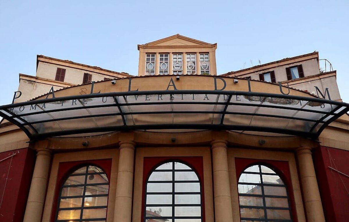 Il Teatro Palladium di Roma, situato in piazza Bartolomeo Romano