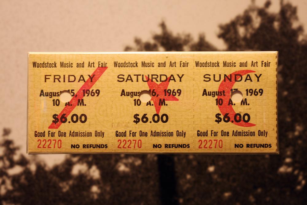 Guarda le immagini dietro le quinte di Woodstock