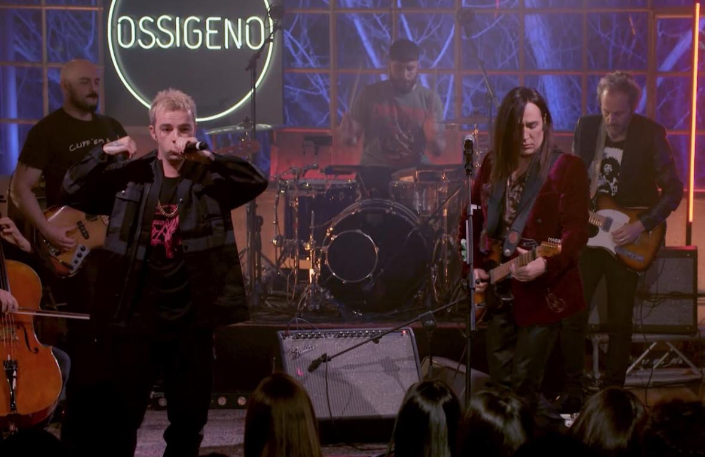 """Salmo duetta con Manuel Agnelli a """"Ossigeno"""": la clip in anteprima"""