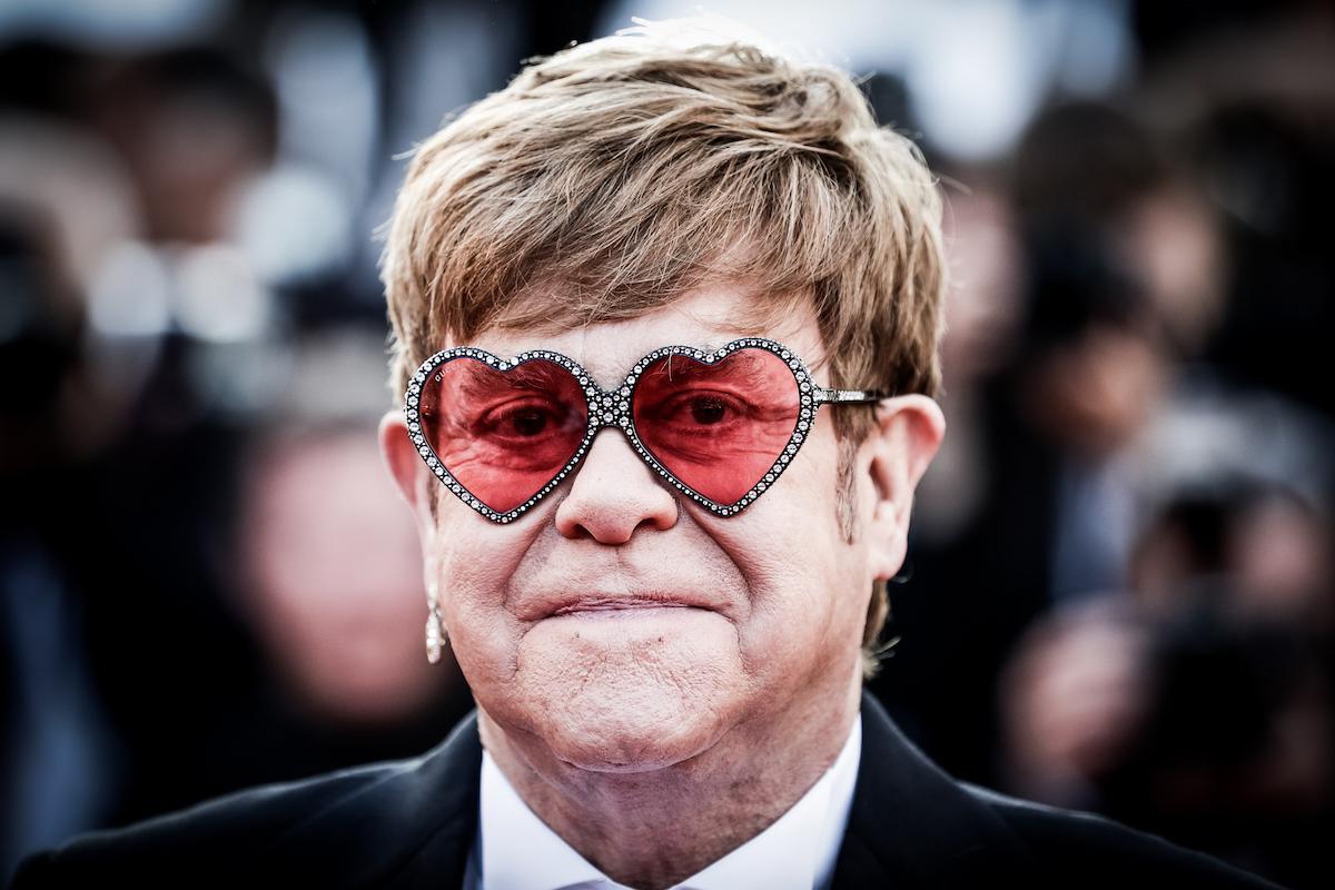 Elton John, drammatico racconto della sua malattia