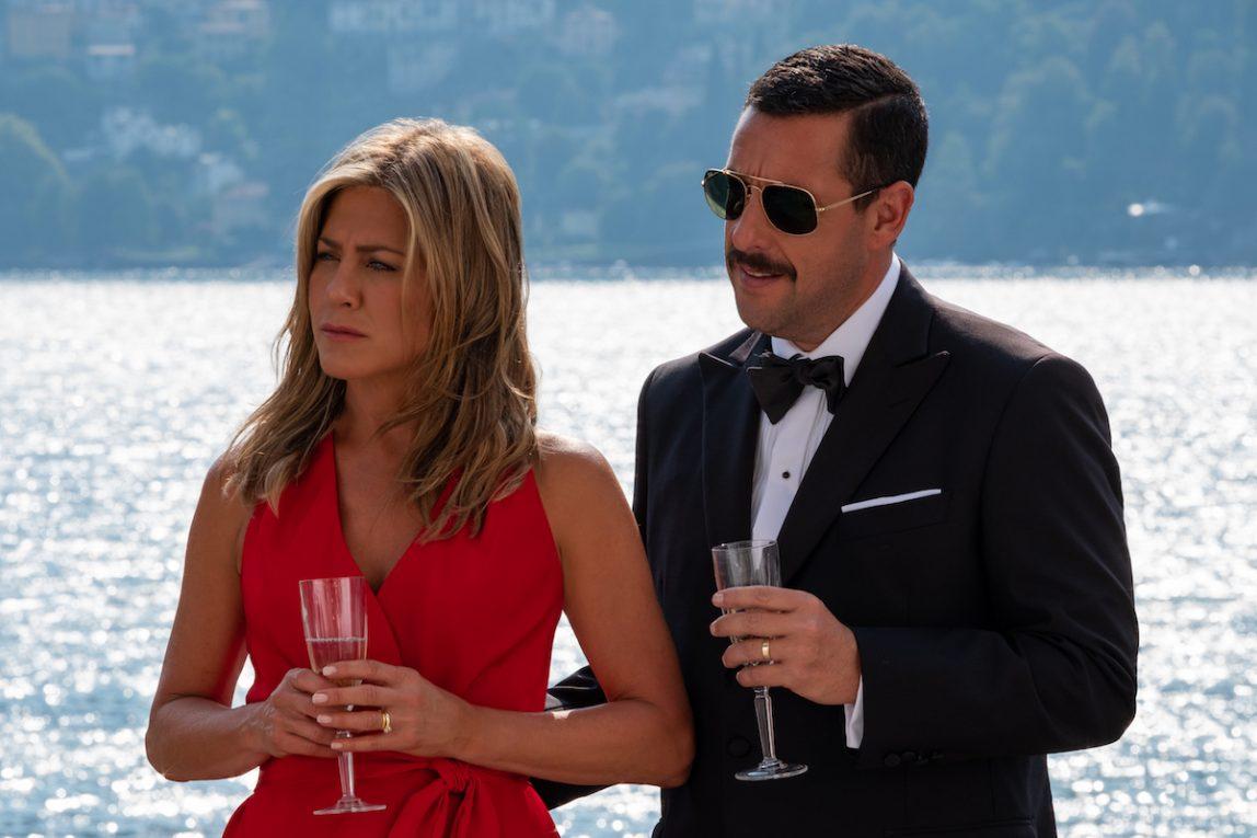 Alla scoperta di 'Murder Mystery' spanciati su uno yacht con Jennifer Aniston e Adam Sandler