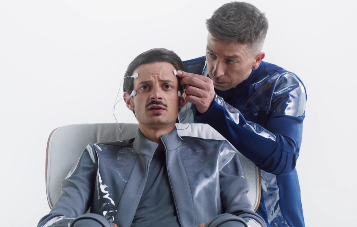 Fabio Rovazzi nel video di 'Senza Pensieri'