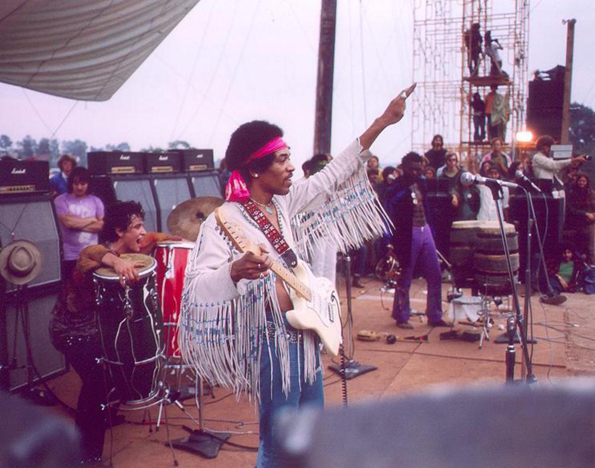 Jimi Hendrix: «L'inno americano? Lo suonavo sempre a scuola»