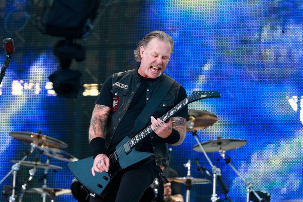 Problemi d'alcol per il cantante, i Metallica fermano il tour