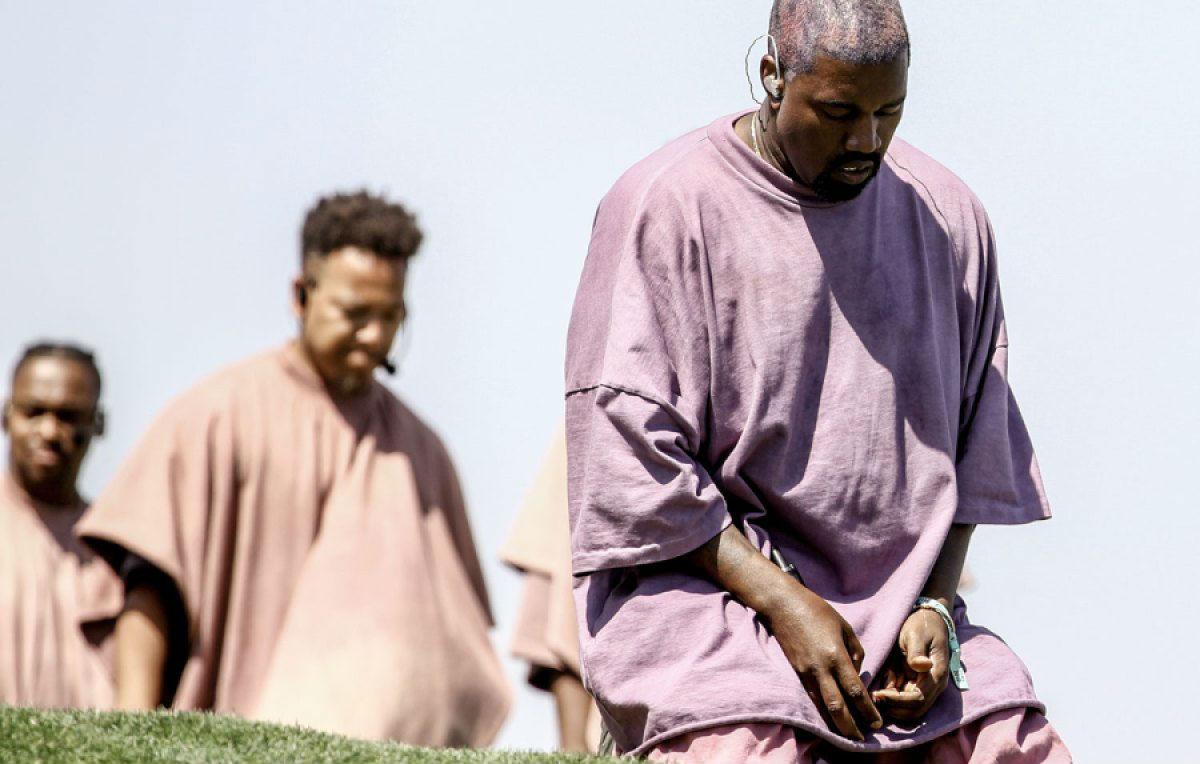 Kanye West sarà anche il messia del rap, ma 'Jesus is King' non è un miracolo