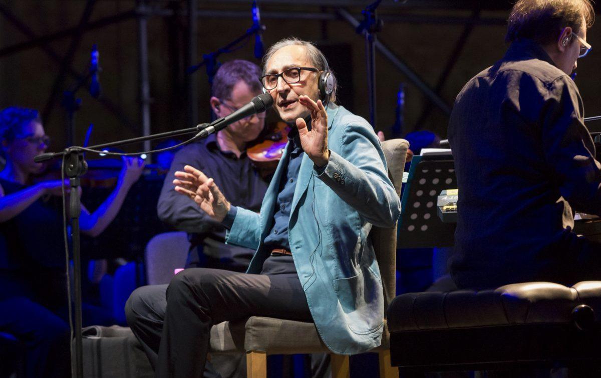 'Torneremo ancora', la canzone fragile e fuori dal tempo di Franco Battiato