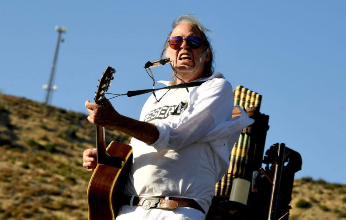 Neil Young aveva bisogno del frastuono dei Crazy Horse
