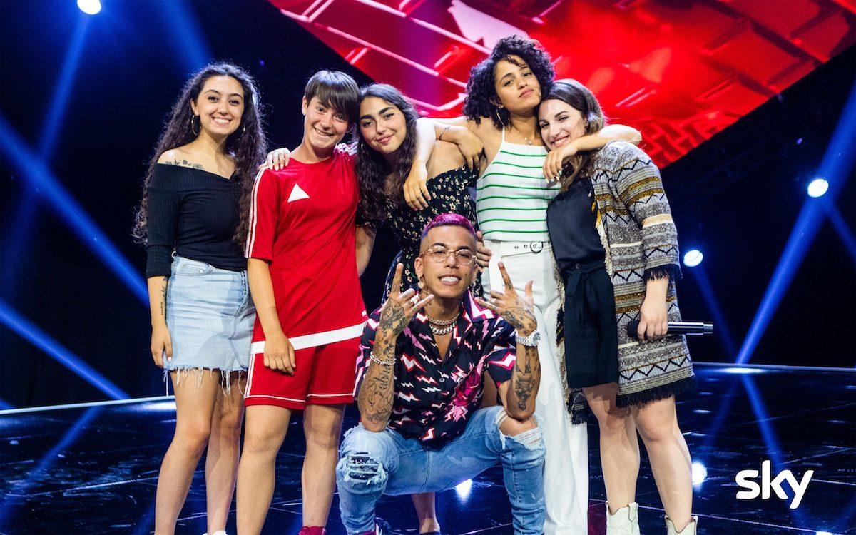 X Factor 13, le pagelle: arpe urlanti, band-ologrammi e finalmente un po' di talento