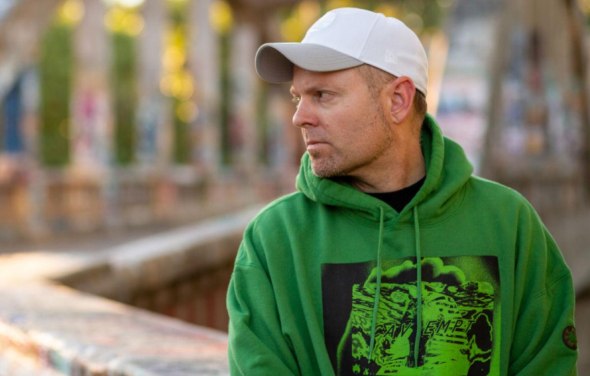 DJ Shadow, 'Our Pathetic Age' è il suono di una società vicina al collasso