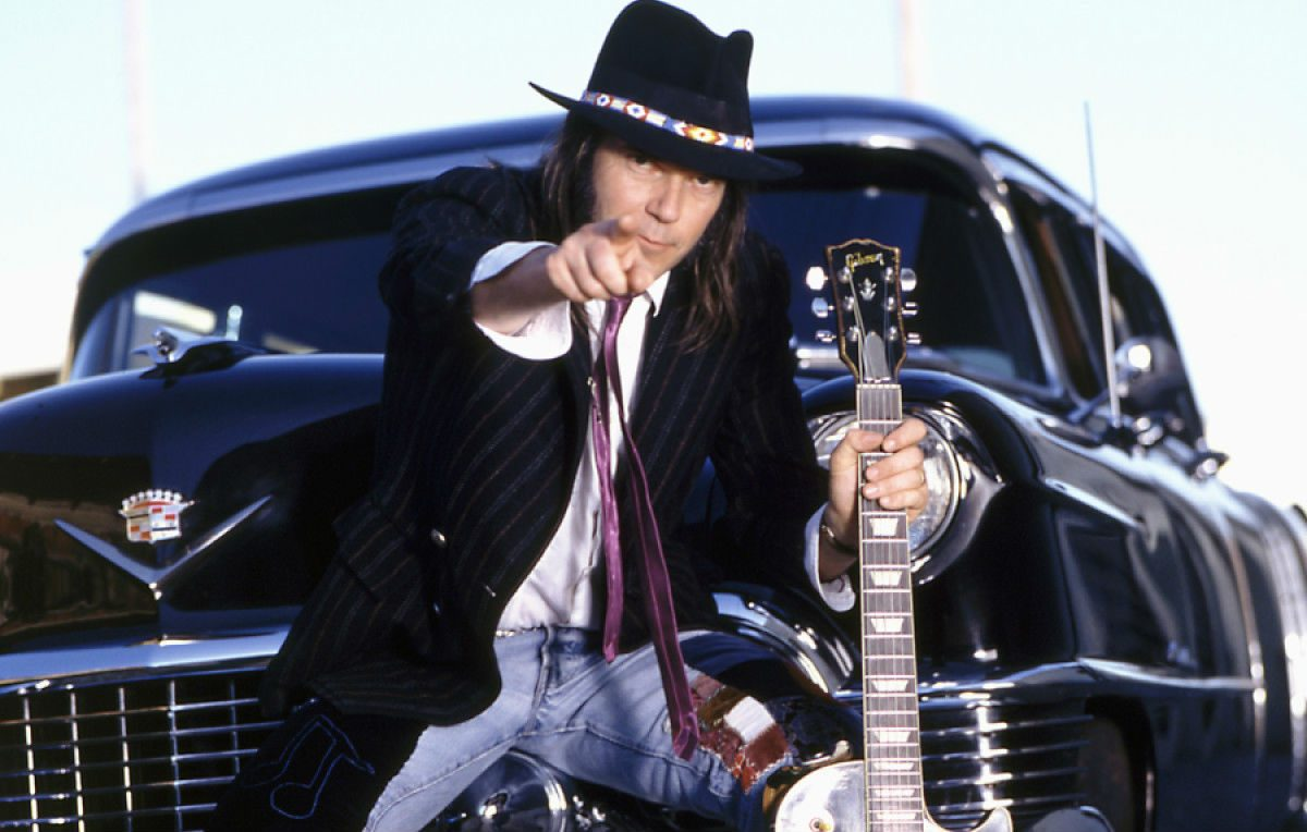 Neil Young non diventerà cittadino americano perché fuma marijuana?