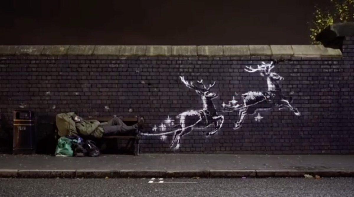 A Birmingham c'è una nuova installazione di Banksy a tema natalizio