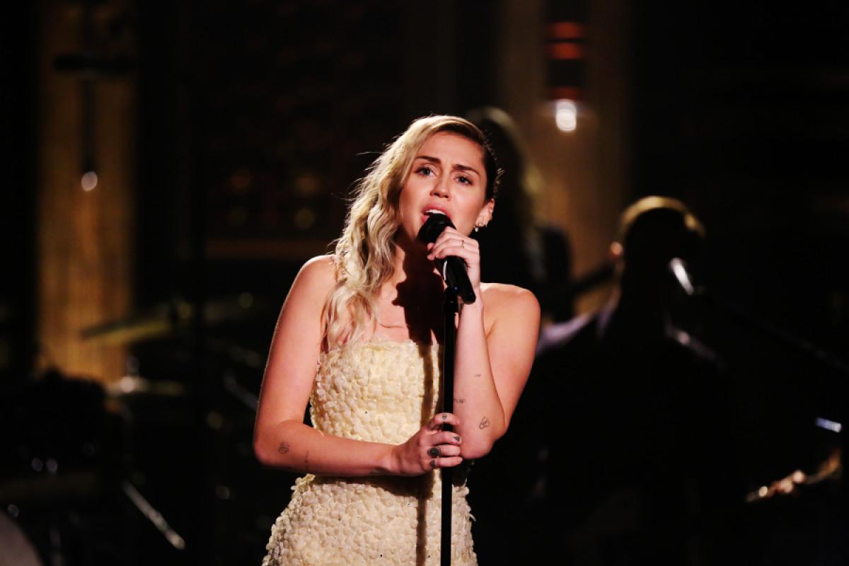 Miley Cyrus sarà headliner del prossimo concerto per le vittime degli incendi in Australia