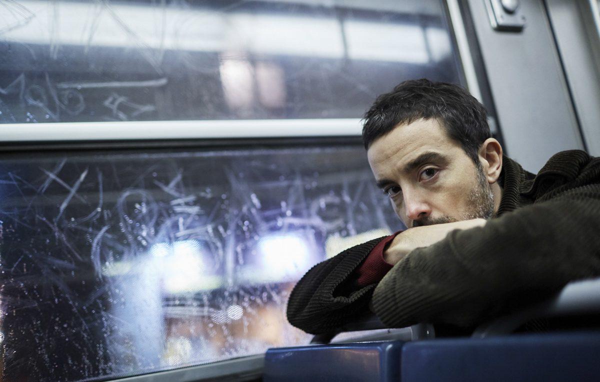 'Il giorno e la notte', un libro e una mostra fotografica celebrano Milano e il cappotto