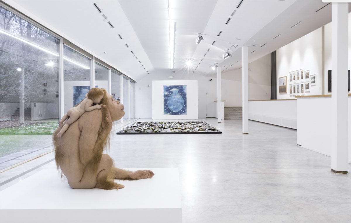"""Visita guidata """"nudista"""" alla mostra concettuale di Stuart Ringholt"""