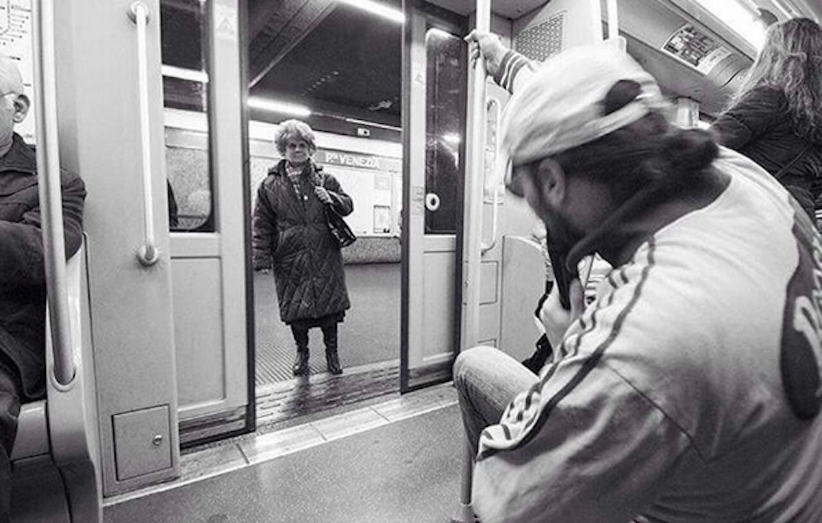 Metroman, il supereroe senza pretese che fa cantare le metropolitane di tutto il mondo