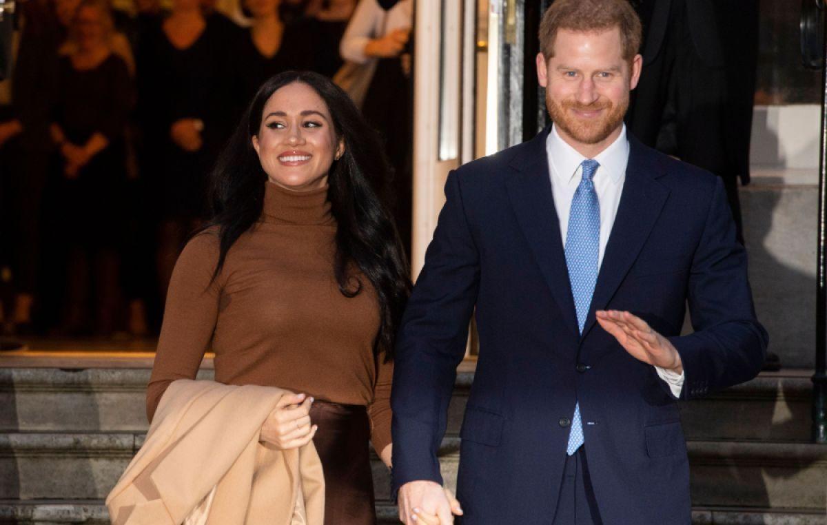Harry e Meghan rinunciano al titolo di 'Altezze reali'