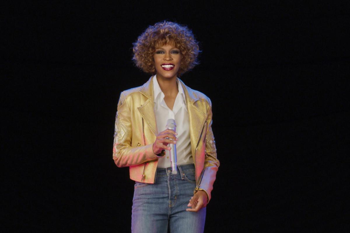 Cambi d'abito e realismo: siamo stati al concerto dell'ologramma di Whitney Houston