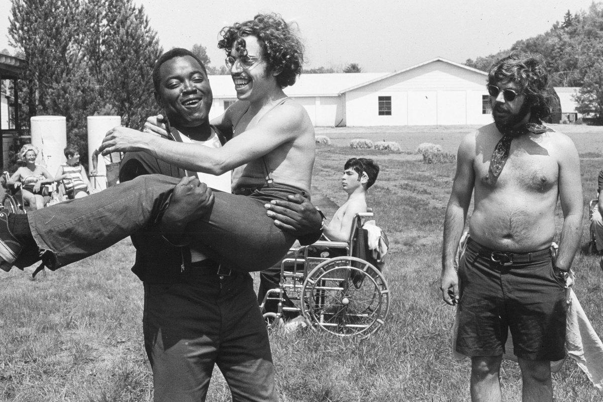 'Crip Camp', il doc prodotto dagli Obama sulla colonia per disabili che cambiò la storia