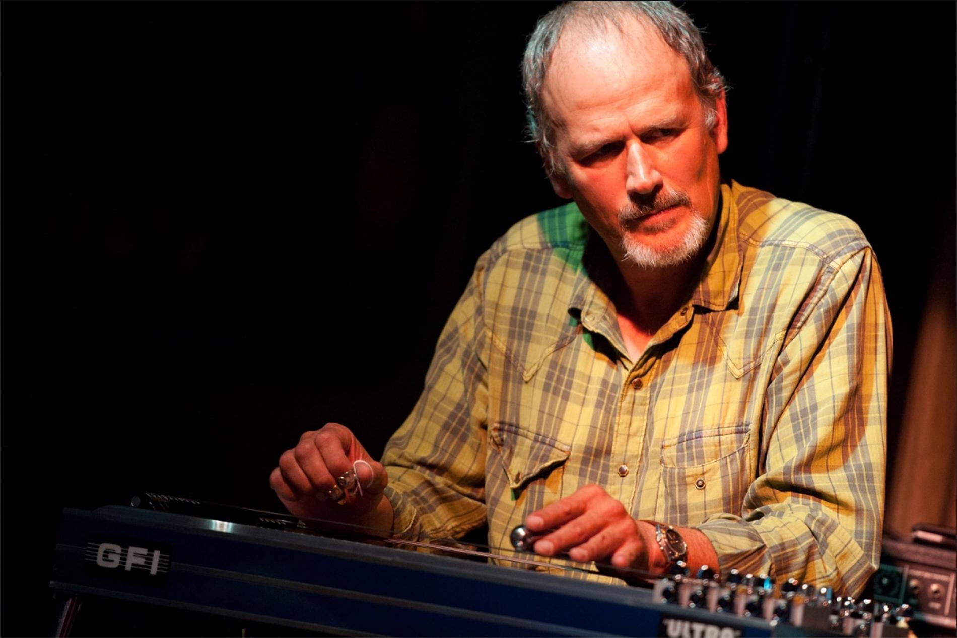 È morto Bucky Baxter, l'asso della pedal steel che suonava con Dylan
