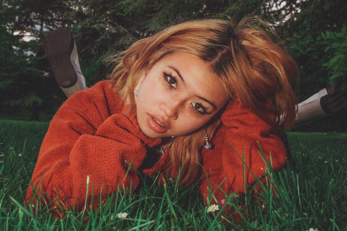 Chi è Beabadoobee, la ventenne che guida il revival del rock alternativo anni '90
