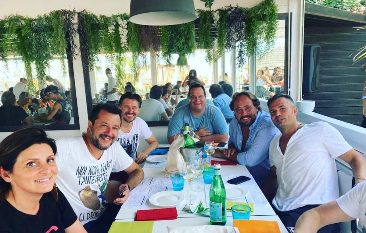 Un anno dopo Matteo Salvini è tornato al Papeete