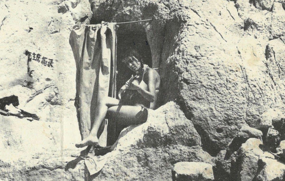Viaggio a Matala, dove gli hippie cercavano l'utopia diventando cavernicoli
