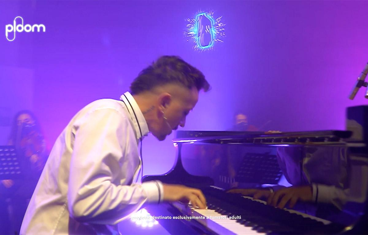Dardust nella sua esibizione esclusiva per Ploom Unique Night di Palermo